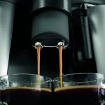Delonghi ESAM3000B Kaffeevollautomat Kaffeeauslauf